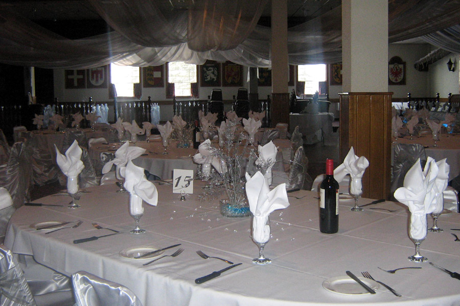 Main Hall, Wedding Table